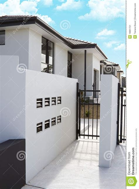 stuck modern 1000 images about stucco homes on stucco