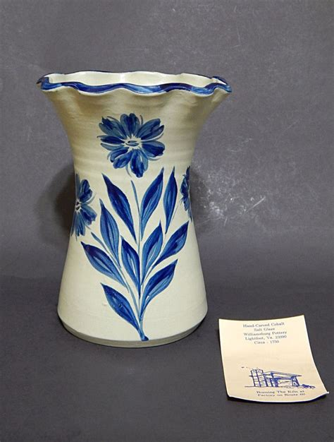 williamsburg pottery gray with cobalt blue flowers salt