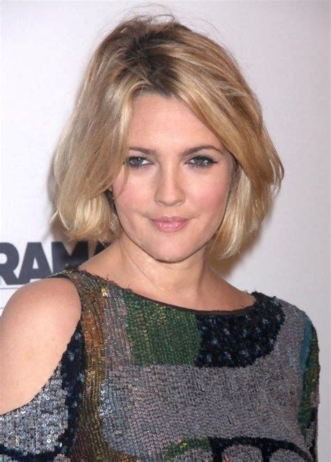 recent tv ads featuring asymmetrical female hairstyles best 25 sexy bob haircut ideas on pinterest
