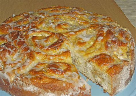 tschechische rezepte kuchen apfel marzipan kuchen rezept mit bild