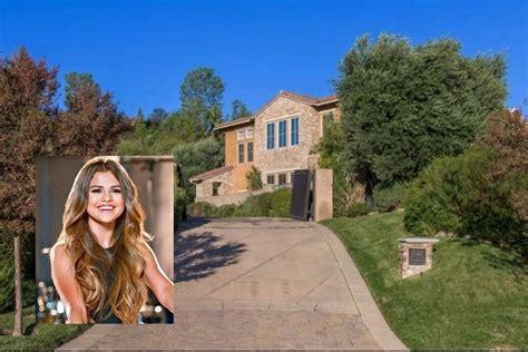 Harga Selena Gomez rumah selena gomez terjual dengan harga lebih rendah