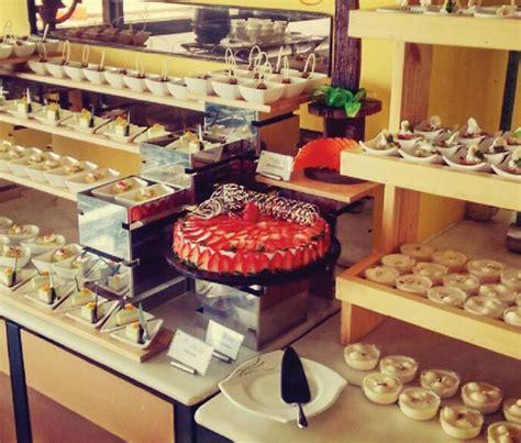 Mumbai Food 5 Best Buffet Restaurants In The City Mumbai Indian Dinner Buffet Bay Area