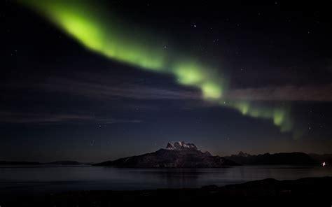 aurora borealis northern lights night mountain lake stars wallpaper