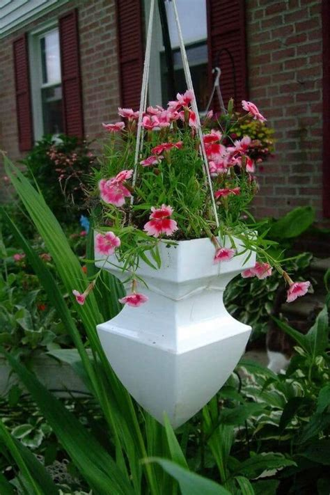 Hanging Planter Ideas by 17 Absolutely Stunning Outdoor Hanging Planter Ideas To