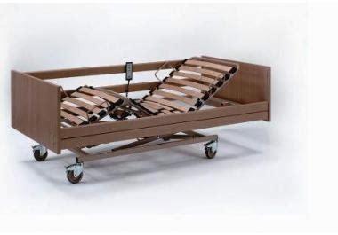 anziani a letto letto per anziani 187 acquista letti per anziani su