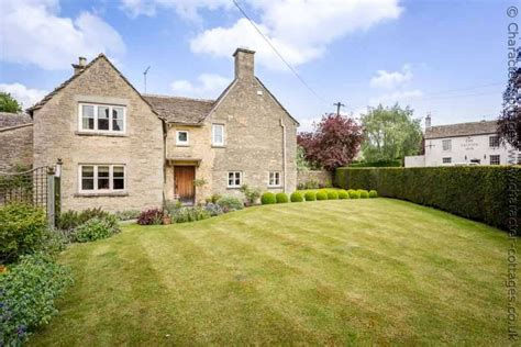 Character Cottages Cotswolds by Manor Cottage To Rent In Poulton Character Cottages