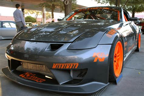 nissan 350z custom extreme auto concepts bring two highly custom nissan 350z
