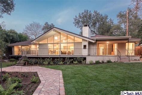 Rambler House Style by Home Architecture 101 Mid Century Modern