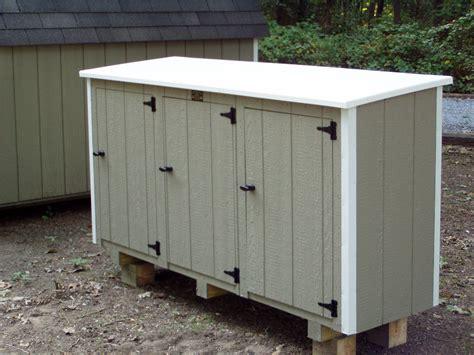 cedar outdoor storage sheds  trash   recycling