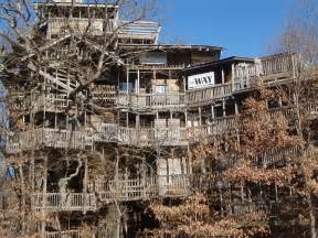 o tree in the world s largest treehouse in crossville tennessee