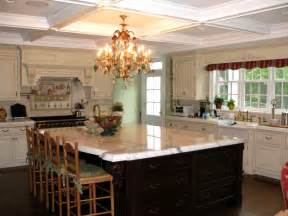 Kings Chandeliers Four Tips To Designing The Perfect Kitchen Island