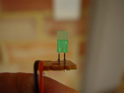green light emitting diode file green light emitting diode led on circuit board jpg wikimedia commons