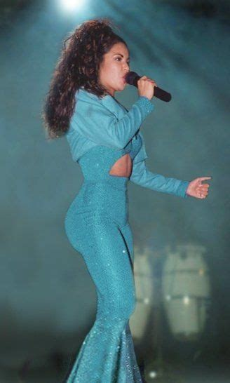 selena quintanilla favorite color pin by pretty tragedy on rest in paradise selena