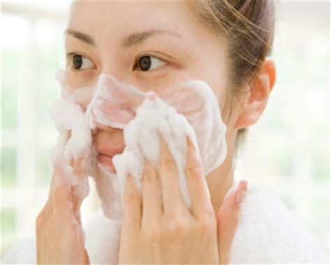 Pembersih Wajah ciricara cara tepat memilih sabun pembersih wajah ciricara