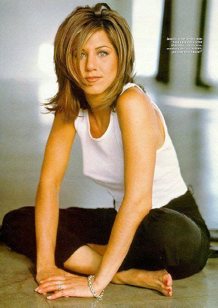 pictures of women wearing the rachel haircut best 25 jennifer aniston hairstyles ideas on pinterest