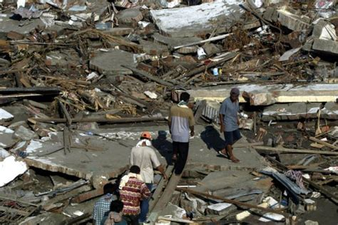earthquake at indonesia indonesia earthquake photos from the 2004 tsunami