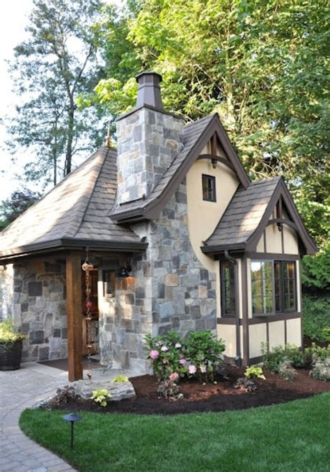 Cottages And Mansions by Tudor Style Cottage Amazing Homes And Decor