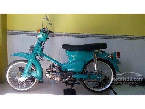 jual motor honda c70 1980 0 1 di jawa timur manual biru rp