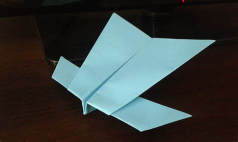 How To Make A Paper Plane Glider - how to make a paper airplane glider