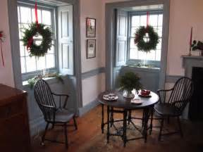Colonial Homes Decorating Ideas Windsors And A Gate Leg Table Colonial Style Decorating