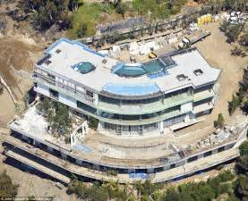 400 Square Foot House Floor Plans Gigi And Bella Hadid S Father Mohamed Forced To Demolish