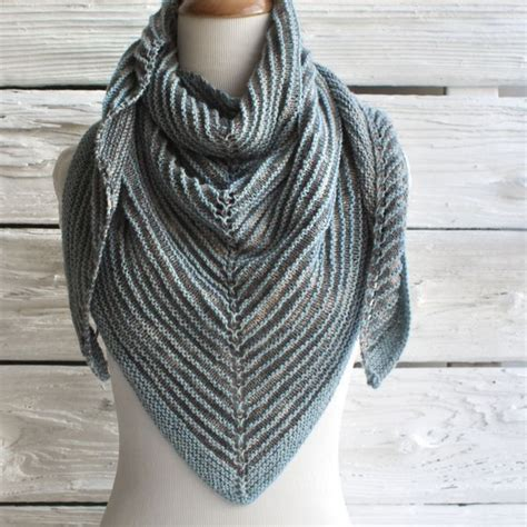 triangle scarf pattern knitting free 365 best images about knit scarves on free
