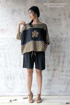 18284 Top Flowers Knit Mix Katun 3 Warna kulot serut kulot ini model nya unik karena bagian bawah
