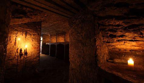 underground vaults html underground vaults and graveyard ghost tour in edinburgh