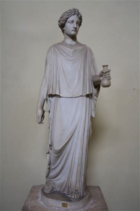 ancient greek woman statue ancient greek clothing article ancient history