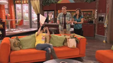 wizards of waverly place bedroom alex russo s bedroom in wizards of waverly place