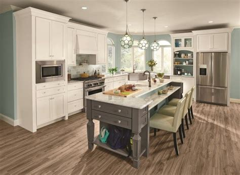 kraftmaid white kitchen cabinets 25 best ideas about kraftmaid kitchen cabinets on