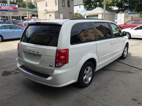 used 2013 dodge grand caravan sxt minivan 11 990 00