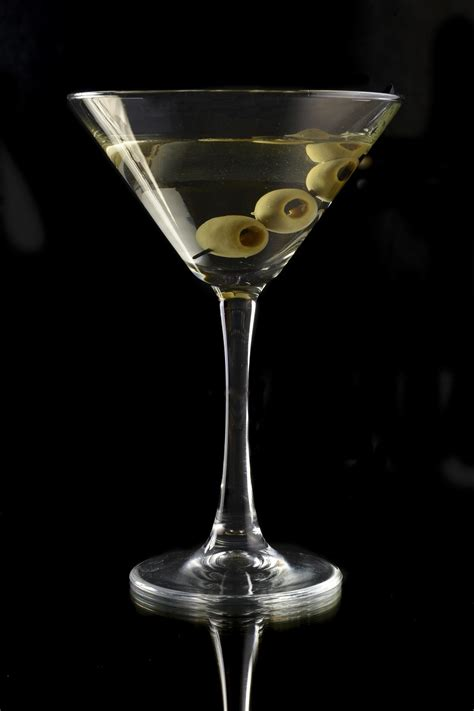 vodka martini with olives alcoholic drinks in pictures elsoar