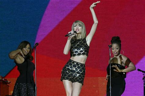 taylor swift extra uk dates taylor swift sells out two dublin shows after adding extra