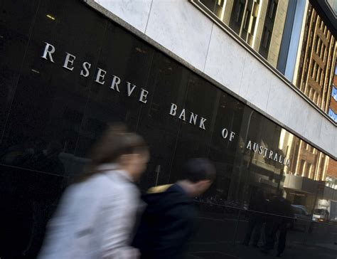 reserved bank pm rba cuts rates again 05 06 2012
