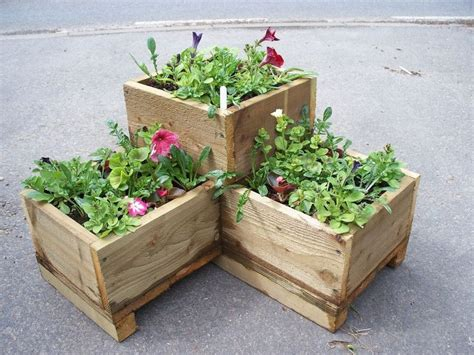 Wooden Garden Planter by Best 25 Wooden Garden Planters Ideas On Mums In Planters Diy Wood Planter Box And