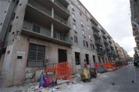 istituto popolari palermo esplode bomba carta all istituto popolari palermo