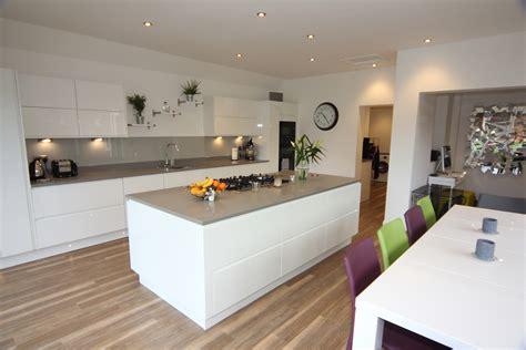 White Gloss Kitchen, Droitwich   Diamond Kitchens Driotwich