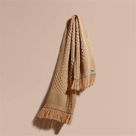 knitting pattern burberry scarf burberry oversize aran knit wool cashmere scarf camel for