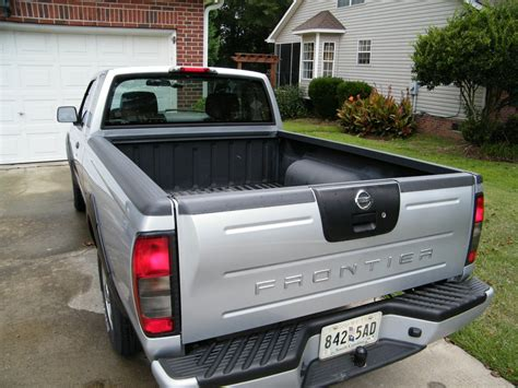 nissan frontier bed cover installing a truxedo truxport tonneau cover on a nissan