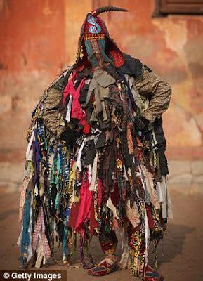 fesyen pakaian di brazzavelle afrika pelik dan aneh seni fesyen yang sangat pelik di afrika