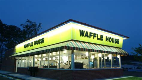 wafflw house waffle house cook shoots and kills unruly customer eater