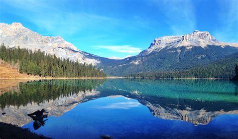 beautiful mountain reflection  emerald lake yoho