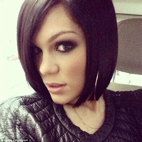 jessie j bob hairstyles jessie j goes back to a black bob daily mail online