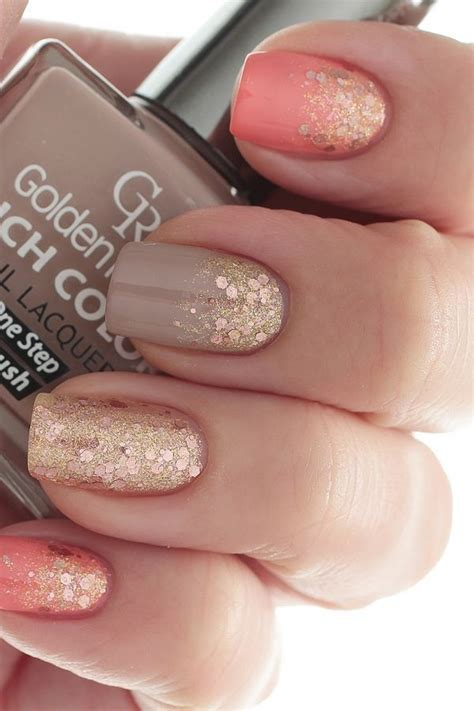 24. Coral, Taupe and Gold Glitter   45 Flirty Spring Nail