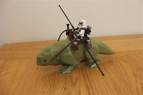 Starwars Mos Eisley Cantina Dewback Sandtrooper review 75052 mos eisley cantina lego wars eurobricks forums