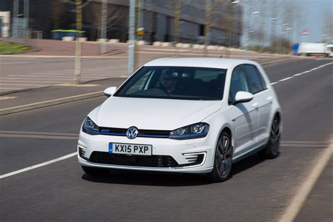 Golf Auto Uk by Vw Golf Gte Hybrid 2015 Review Auto Express