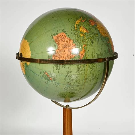 Floor L Globes by Replogle Floor World Library Globe With A Walnut Base For Sale At 1stdibs