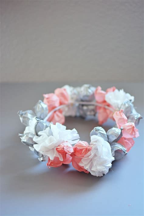 Handmade Tissue Flowers - 100 creative diy craft projects ideas and inspiration