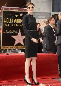 anne hathaway devastated after revealing wardrobe anne hathaway devastated after revealing wardrobe
